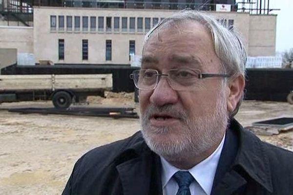 Le nouveau secrétaire d'Etat aux anciens combattants a effectué sa première visite officielle au mémorial de Verdun.