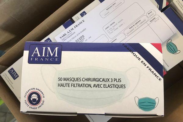 Boîte de masques fabirqués à AIM France