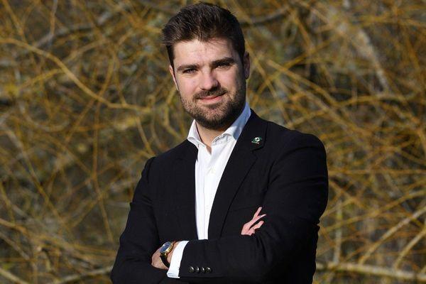 Alexandre Avril ( Divers droite) élu maire de Salbris dans le loir-et-Cher.