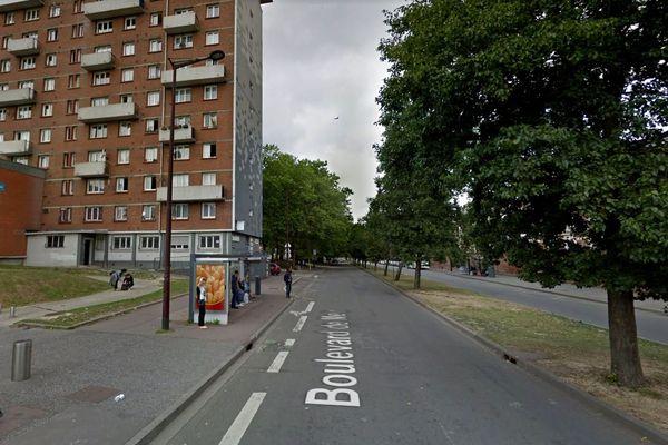 Les deux motards ont été repérés alors qu'ils adoptaient une conduite dangereuse sur le boulevard de Metz, à Lille-Sud.