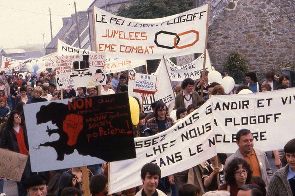Manifestation anti-nucléaire en mars 1980 à Plogoff