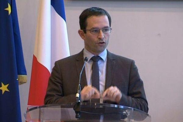Paris - Benoît Hamon - conférence de presse du ministre de la Consommation suite à l'enquête sur la viande de cheval - 14 février 2013.