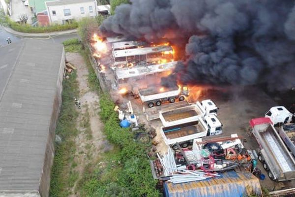 Hérault - Un entrepôt industriel a pris feu à Saint-Georges d'Orques. - 29 avril 2021.