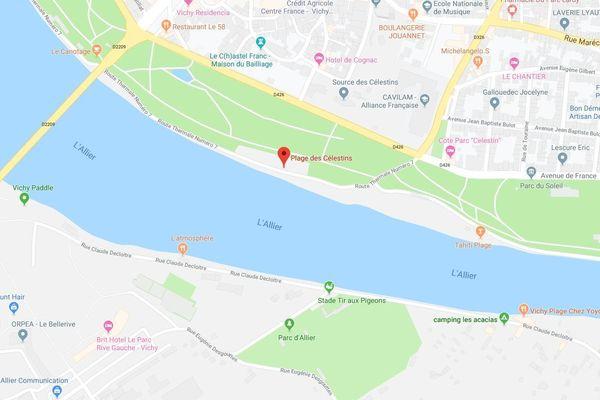 Quatre enfants emportés par le courant, mardi 25 juin, sur la plage des Célestins, à Vichy, dans l'Allier. Les quatre enfants ont été récupérés par des passants.