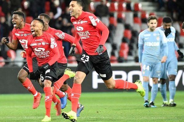 La joie des joueurs de Guingamp, qualifiés en demi-finales de la coupe de la Ligue.