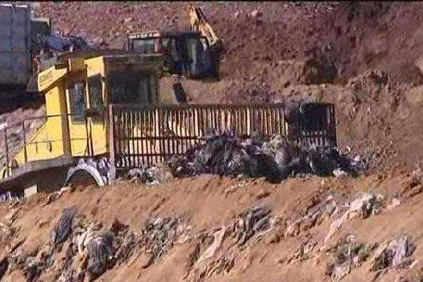 Depuis 40 ans cette décharge reçoit les déchets d'une centaine de communes
