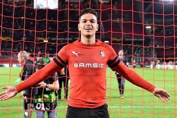 La joie Hatem Ben Arfa à la fin du match suite à la victoire