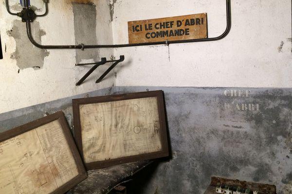 En poussant une porte du centre bus de Saint-Maur-des-Fossés (Val-de-Marne), une employée de la RATP est tombée sur un abri datant de la Seconde Guerre mondiale.