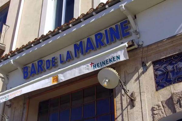 Le bar de la marine, vrai ou faux ? Peu importe, les écrits restent