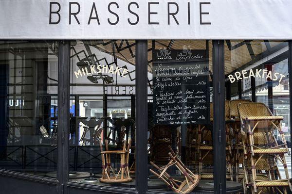 Les restaurants continuent de subir de plein fouet les conséquences de la crise sanitaire. BERTRAND GUAY/AFP