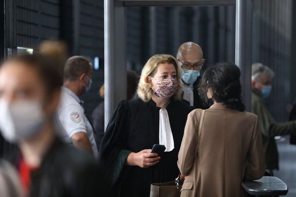 L'avocate Cécile de Oliveira, qui représente huit membres de la famille de Brigitte Troadec, dont sa mère et ses sœurs.