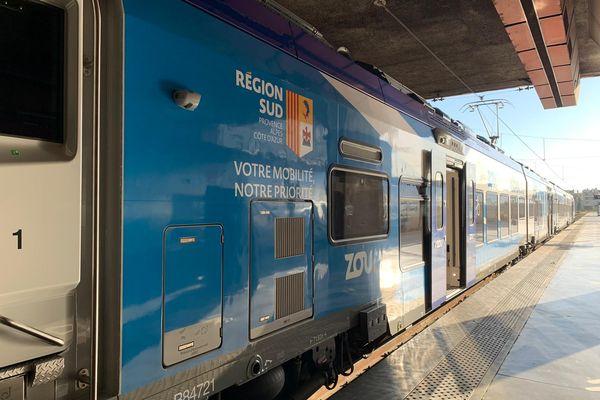 De Bollène à Vintimille, le service TER représente 146 gares et points d'arrêts pour  550 TER par jour.