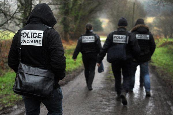 La police judiciaire poursuit les recherches des restes humains au domicile du couple écroué