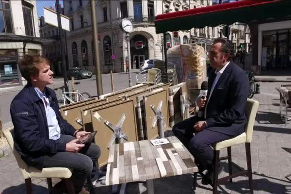 """Flavien Texier avec Boris Vedel, directeur du  """"Printemps de Bourges"""" dans c'est vous qui le dites"""""""