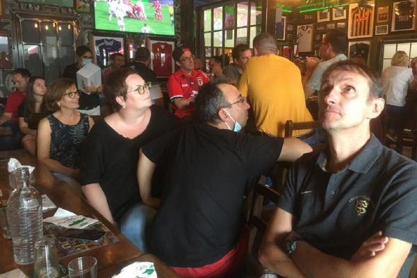 Des supporters du Stade Toulousain ont suivi la rencontre à Seilh, dans le pub de l'Irlandais Trevor Brennan, ancien joueur du Stade Toulousain.