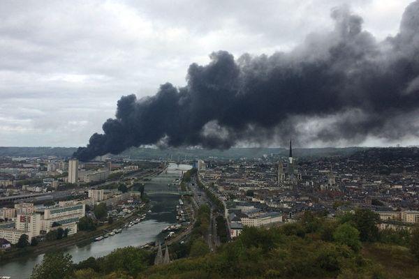 L'incendie de l'usine Lubrizol, classée Seveso seuil haut, s'est produit le 26 septembre dernier à Rouen.