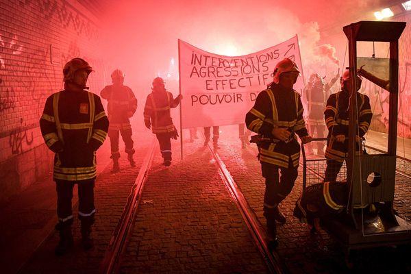 Manifestation des pompiers du Rhône à Lyon le mardi 27 novembre 2018 suite à des agressions pendant des interventions