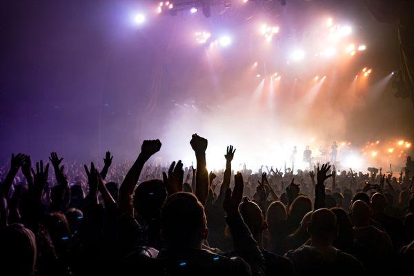Tous les mains en l'air devant votre télévision pour revivre les concerts de l'année !