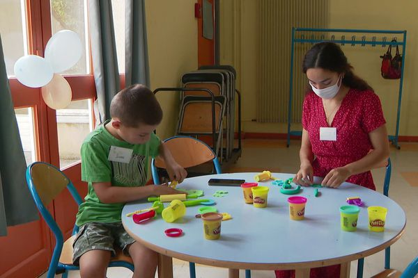 Les enfants seront accueillis gratuitement un samedi après-midi par mois en alternance à Poitiers et Châtellerault.