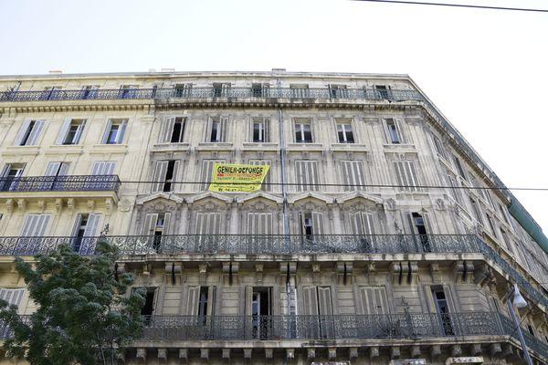 En 2016 les associations recensaient 1100 logements vides sur la rue de la République.