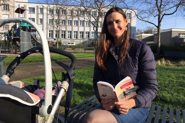 """Dans son livre """"Et le soleil refleurira"""" Aurélie Drivet raconte le deuil périnatal et l'arrivée du seconde grossesse, entre joie et inquiétudes"""