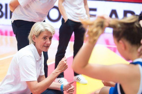 Après avoir fait les beaux jours de Bourges dans les années 1990 et 2000, Cathy Melain va recroiser la route de son ancien club sur le banc de Basket Landes