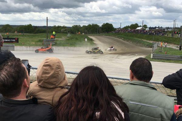 A Saint-Junien, les générations grandissent avec l'autocross et le transmettent à leur tour.