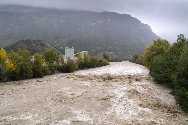 Les fortes pluies ont causé inondations et glissements de terrain dans différentes régions de Suisse.