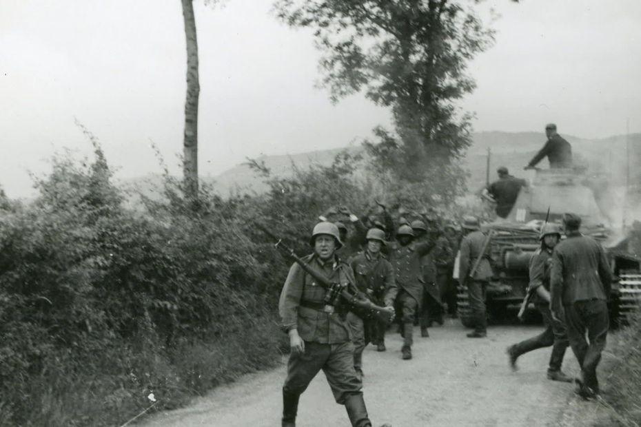 25e RTS : Chasselay 19/20 juin 1940 5eece545f2f2b_80e_anniversaire_massacres_tirailleurs_s_n_galais-00_00_58_23-4886100