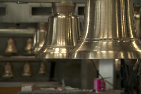 Cloches de la fonderie Paccard en Haute-Savoie créées pour la sculpture Ars Sonora destinée à l'université Tampa en Floride