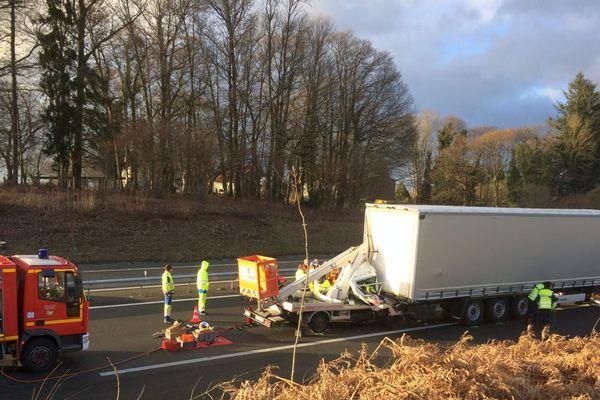 Ce mercredi 7 mars 2018 sur l'A20. La circulation est coupée en raison d'un accident.  .