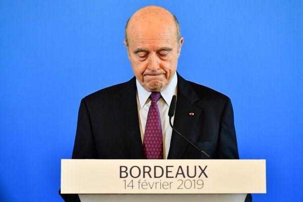 Alain Juppé annonce sa démission de la mairie de Bordeaux lors d'une conférence de presse