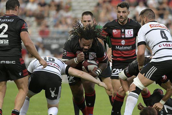 Lou reçoit Brives à Lyon le 14 septembre 2019 -Mathieu Bastareaud (LOU) au cours du match entre le LOU Rugby (en noir) et le CA Brives (en blanc) au Matmut Stadium de Gerland à Lyon et comptant pour la 4ème journée du TOP 14, le championnat de France de rugby.