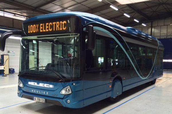 Le bus 100% électrique produit par Heuliez Bus dans les deux-Sèvres.