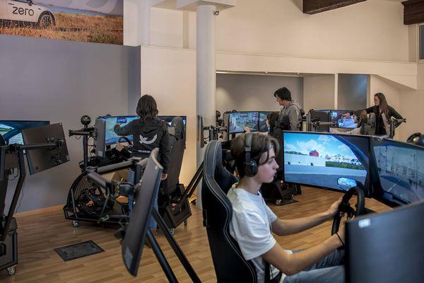 L'apprentissage de la conduite grâce aux simulateurs avant de prendre en main un véhicule réel