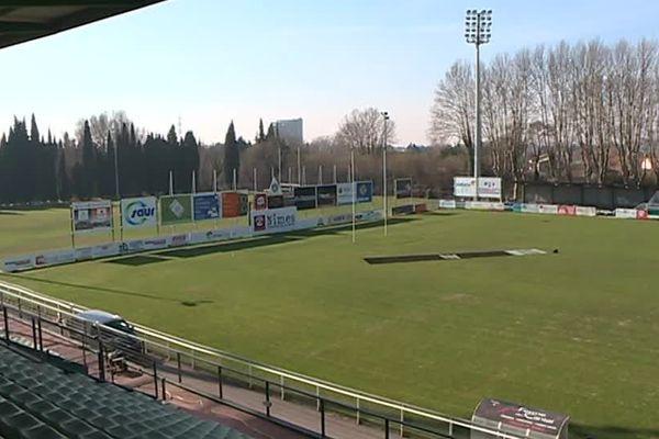 Le stade Kaufmann à Nîmes se prépare pour le match face à Aubenas ce vendredi soir - 28 février 2018