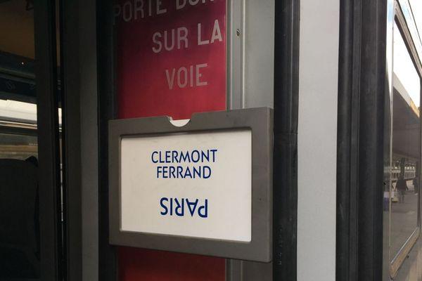 Guillaume Pepy adressé une lettre au maire de Clermont-Ferrand, Olivier Bianchi, afin de lui préciser les raisons des 12 heures de retard du train Paris-Clermont-Ferrand du 27 juin. Parmi les nombreux incidents constatés, une erreur humaine est à l'origine de l'arrachement d'une caténaire.