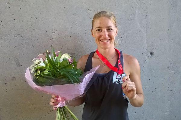 Sophie Dangla (Eco CJF) a décroché l'argent au saut à la perche lors des championnats de France d'athlétisme 2015.