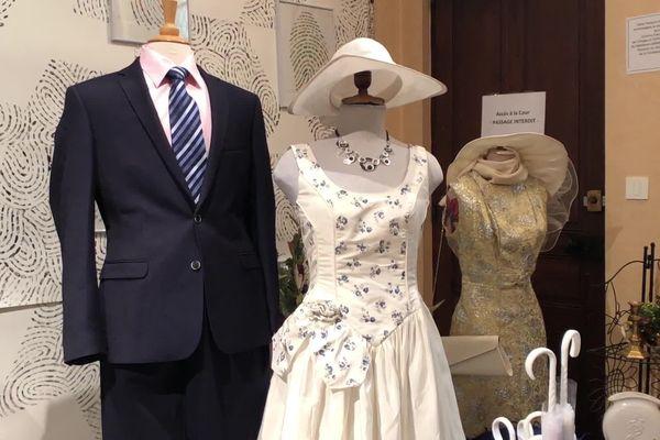 Pour la première fois, le Secours Populaire de Limoges organise son salon du mariage, et vend robes, costumes, décoration, porcelaine, décoration...