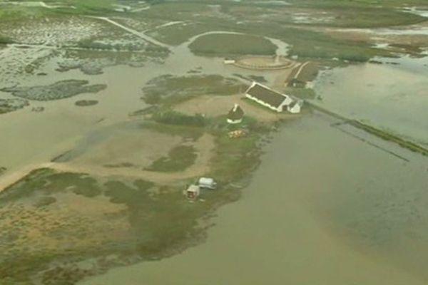 Les inondations vues du ciel, en Camargue, en septembre 2014