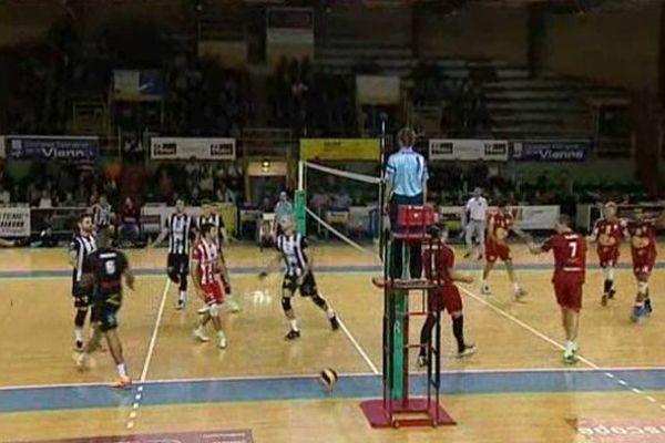 Volley-ball : le Stade poitevin s'est incliné 13-15 face à Cambrai