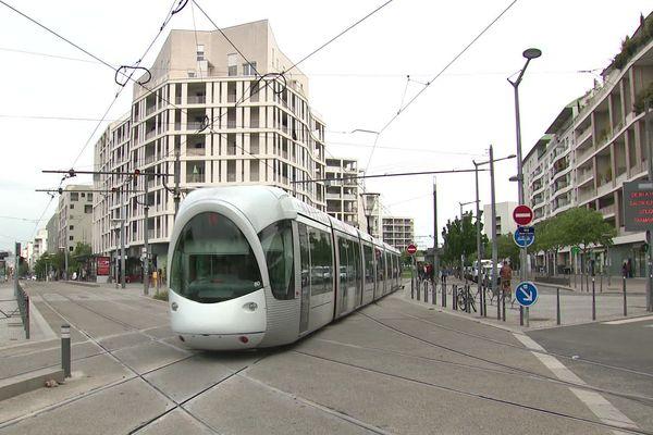 L'accroissement du réseau de tramway explique entre autres le nombre de recrutements