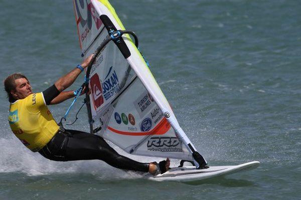 Antoine Albeau : ce natif de l'Île-de-Ré (17) déjà 22 fois champion du monde de fun-board.