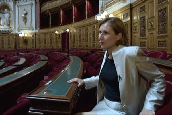 Hermeline Malherbe dans l'hémicycle derrière le pupitre qu'occupait Christian Bourquin. Palais du Luxembourg, le 16 setembre 2014.