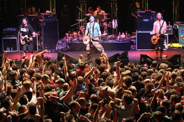 Avec NoFX, la salle de La Pallice donnait le ton pour dix ans de concerts.
