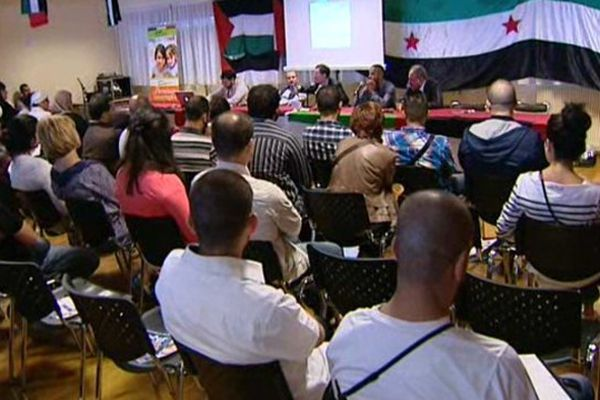 Rassemblement en solidarité avec le peuple syrien à la mairie annexe des Grésilles