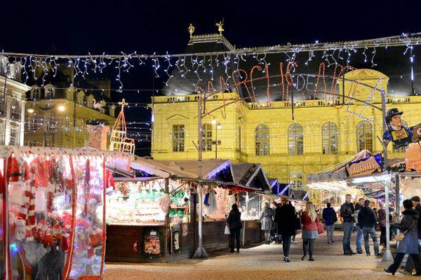 Le marché de Noël, place du Parlement, ne verra pas le jour cette année mais des propositions lumineuses et des déambulations artistiques animeront le centre ville et les quartiers de Rennes