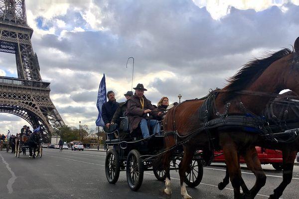 Plus de 150 chevaux ont défilé dans les rues de Paris, ce dimanche matin