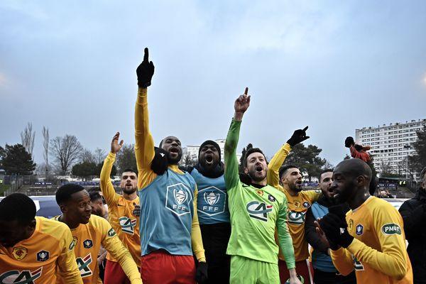 Les amateurs du Lyon Duchère ont écrasé le Nîmes Olympique 3 à 0, Montpellier s'est incliné contre l'entente Sannois Saint Gratien 0 à 1 lors des prolongations
