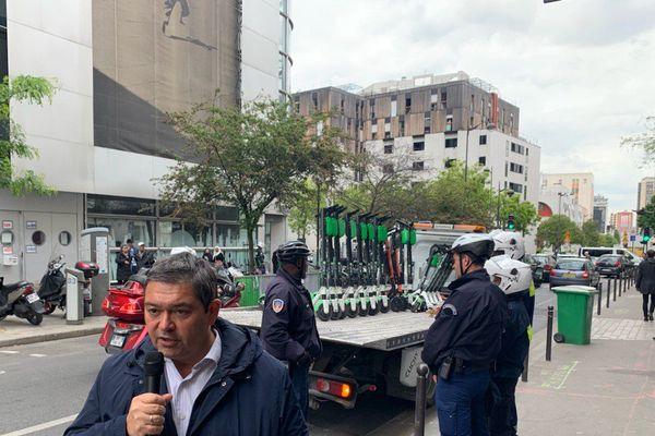 Le maire du 13ème arrondissement annonce l'enlèvement systématique des trottinettes mal garées, le 17 mai 2019.